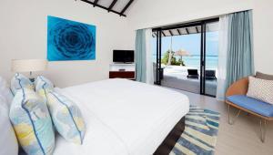sunset-beach-villa-bedroom-1