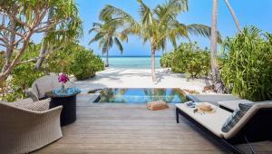 beach-pool-villa-exterior-1