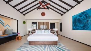 beach-villa-bedroom-1