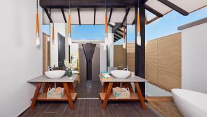 overwater-villa-bathroom-1
