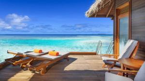 she3442gr-164093-Club-Water-Bungalow-med-1600x900