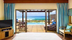 she3442gr-196082-Ocean-Pool-Villa---Bedroom